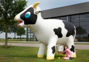 jeu-de-la-traite-de-la-vache-gonflable_l